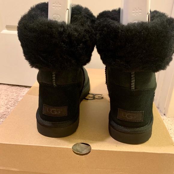 UGG Shoes - UGG Classic Short II Boots